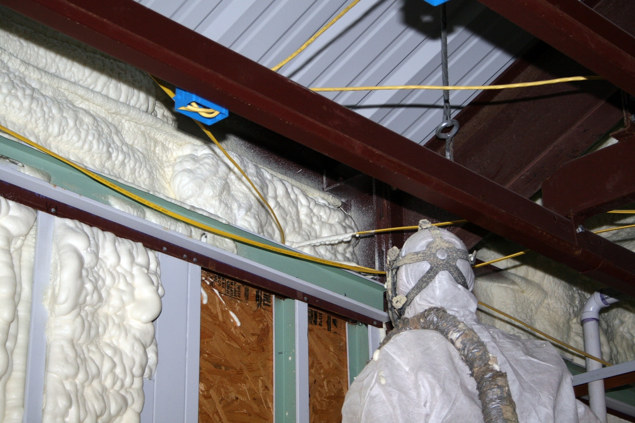How to install foam insulation foam insulation tips - Advice on insulating your home effectively ...